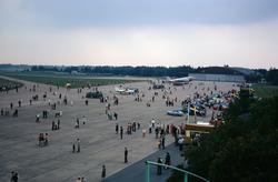 Flygdagen på Malmen den 10 september 1972. Publik och utstäl
