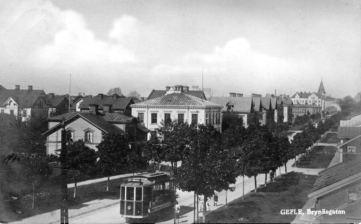 Gefle, Brynäsgatan. Dagens Brynäs har sin upprinnelse vid mitten av 1800-talet då industrisamhället började växa fram. Stadsdelen var uppbyggd som en rutnätsstad med Brynäsgatan som central axel och med numrerade tvärgator (Första Tvärgatan upp till Sjunde Tvärgatan).