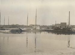 Sommarövningarna i Varberg 1917. Hamnen.