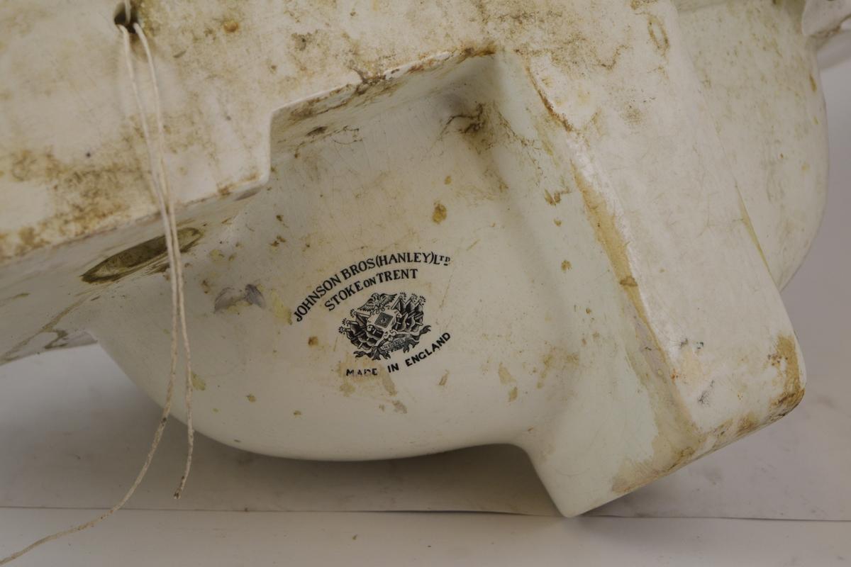 Vasken fra dametoalettet på Grovane Stasjon.