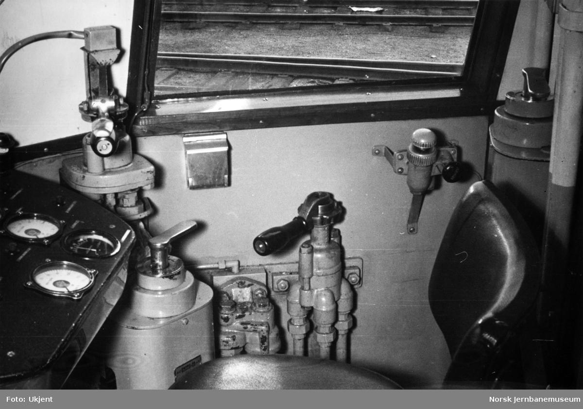 Motorvogn type 86 - førerplass