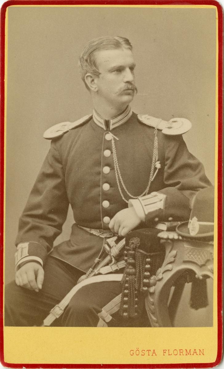 Porträtt av gardesofficer i norska armén.
