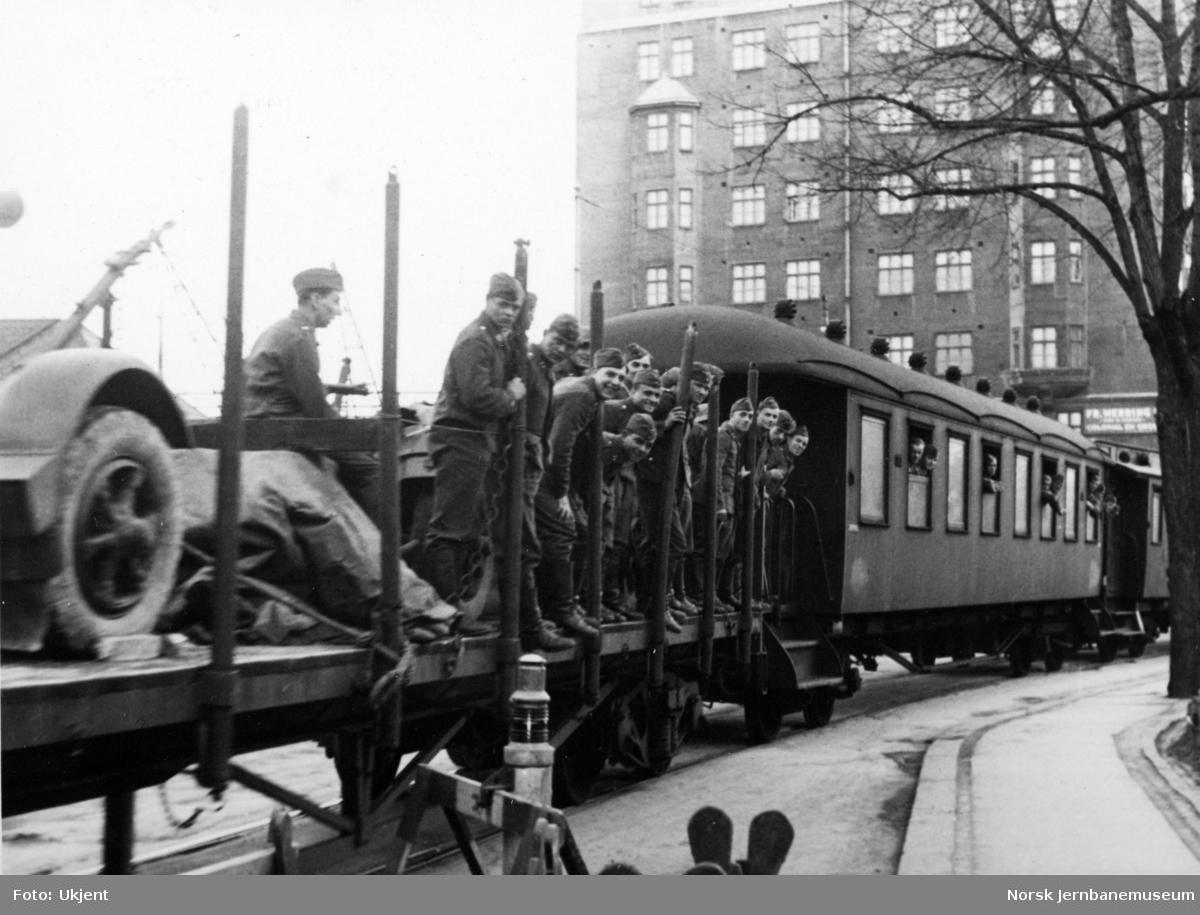 Tog med tyske militære på Havnebanen