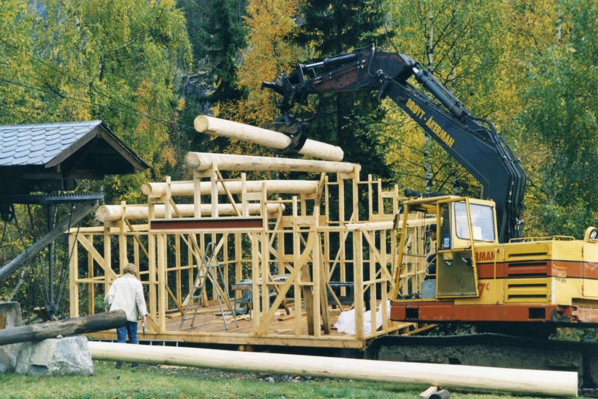 Bagn Bygdesamling. Bygging av vognskjul.