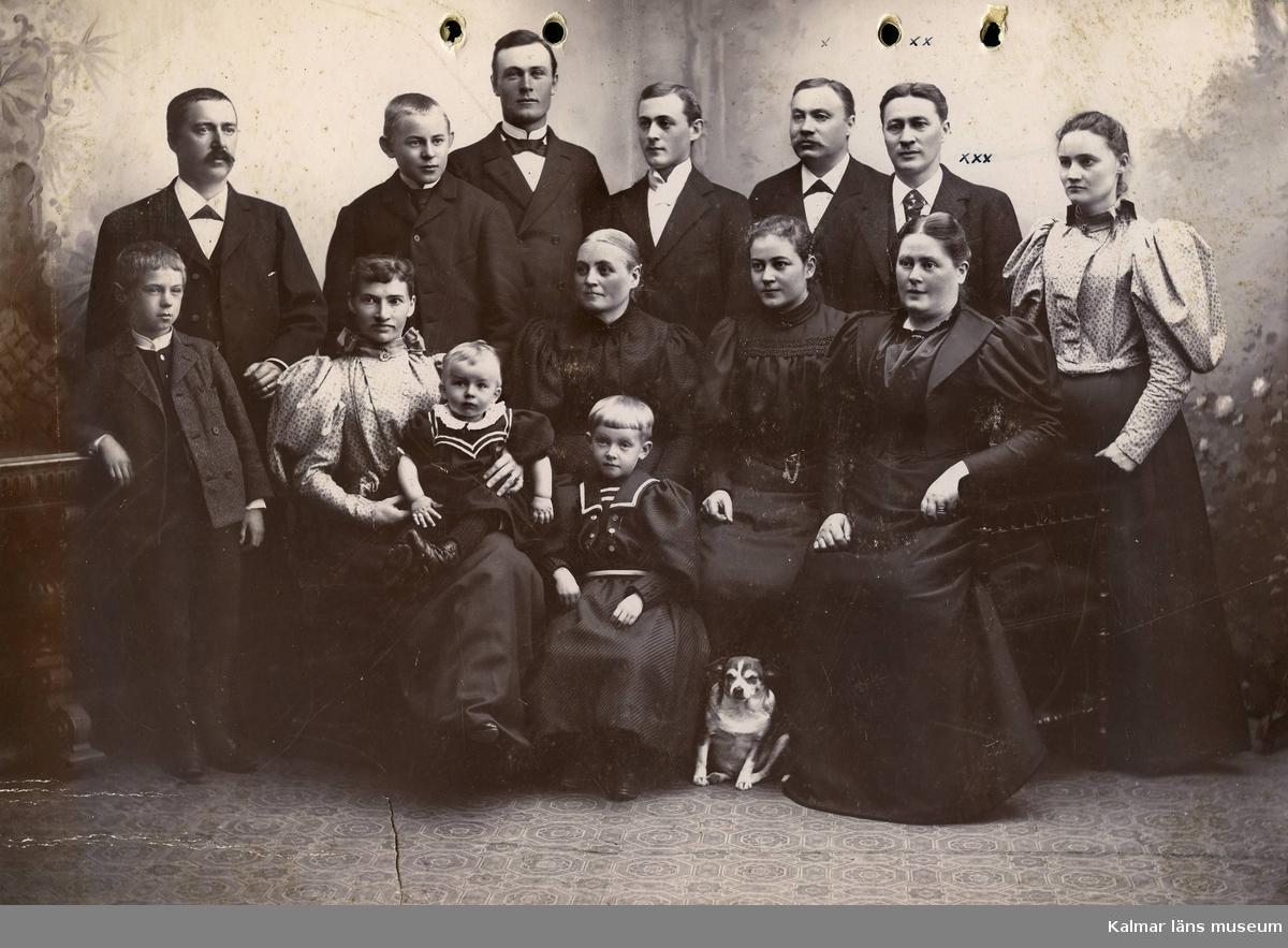 Bröderna Carlsson Theodor och John med fru.