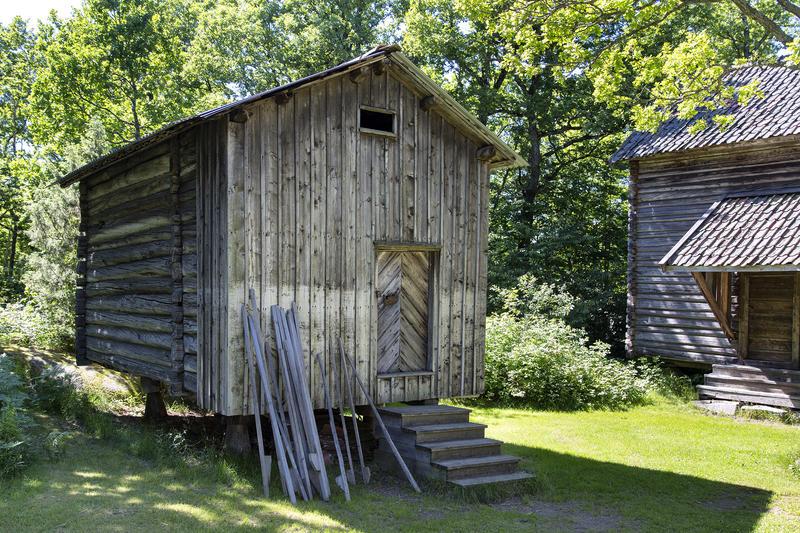 Stabbur fra Havsjødalen. Gjenoppført på Follo museum på begynnelsen av 1960-tallet.