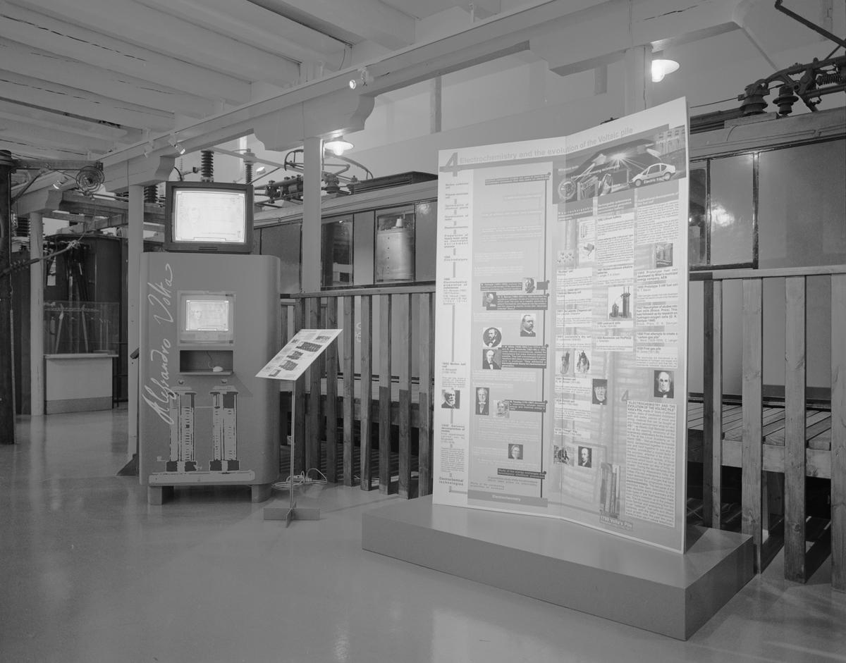 """Dokumentation av  utställningen """"Volta"""", Elkraft. TV- och Dator-station och monter."""