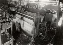 "Luleå Trämassefabrik. ""Kamyr""- upptagningsmaskiner."