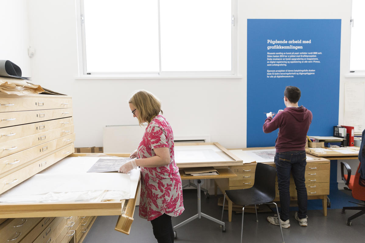 Du kan følge det pågående arbeidet i museet sine lokaler. Foto: Christina Undrum Andersen / TKM.