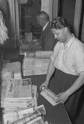 Adresseavisen, distribusjonen av avisen om morgenen