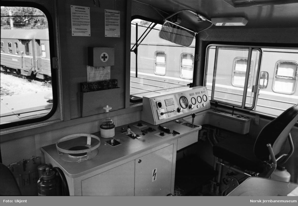 Ny skiftetraktor Skd 224 213 - førerrom