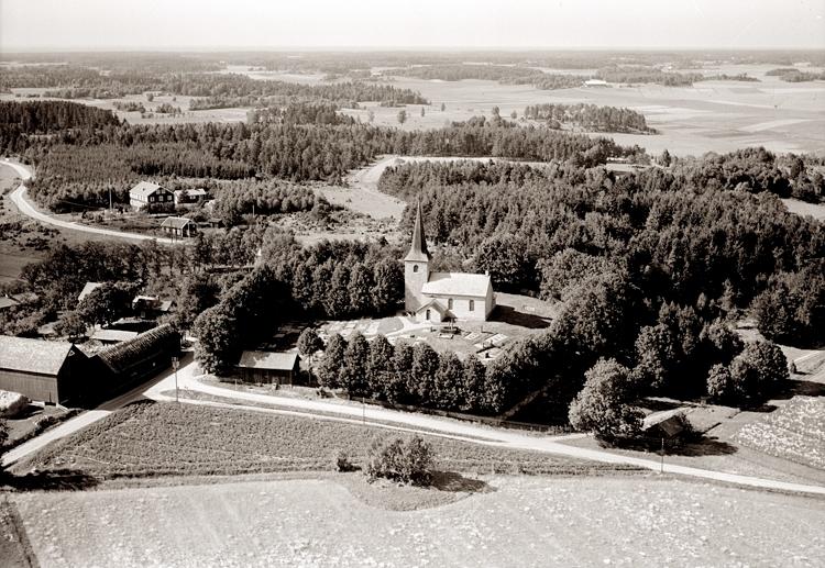 Bildtext: Gösslunda socken. Gösslunda kyrka 1947.
