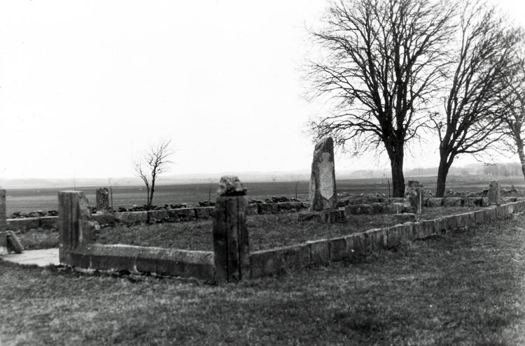 Tarsleds kyrka revs i samband med sammanslagningen med Herrljunga kyrka.