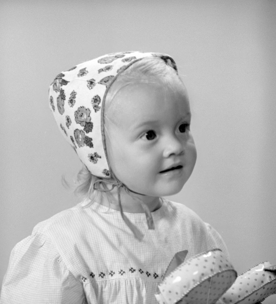 Flickan Svärd. Foto i augusti 1945. (Alice Svärd)