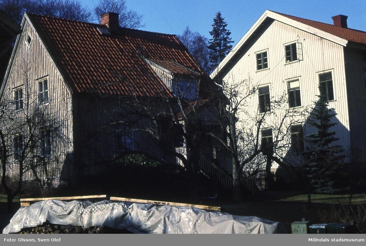 Kärra Hökegård i Mölndal, år 1975. Föreståndarbostaden som blev arrendatorbostad. Arrendatorn var Ivar Brogren.