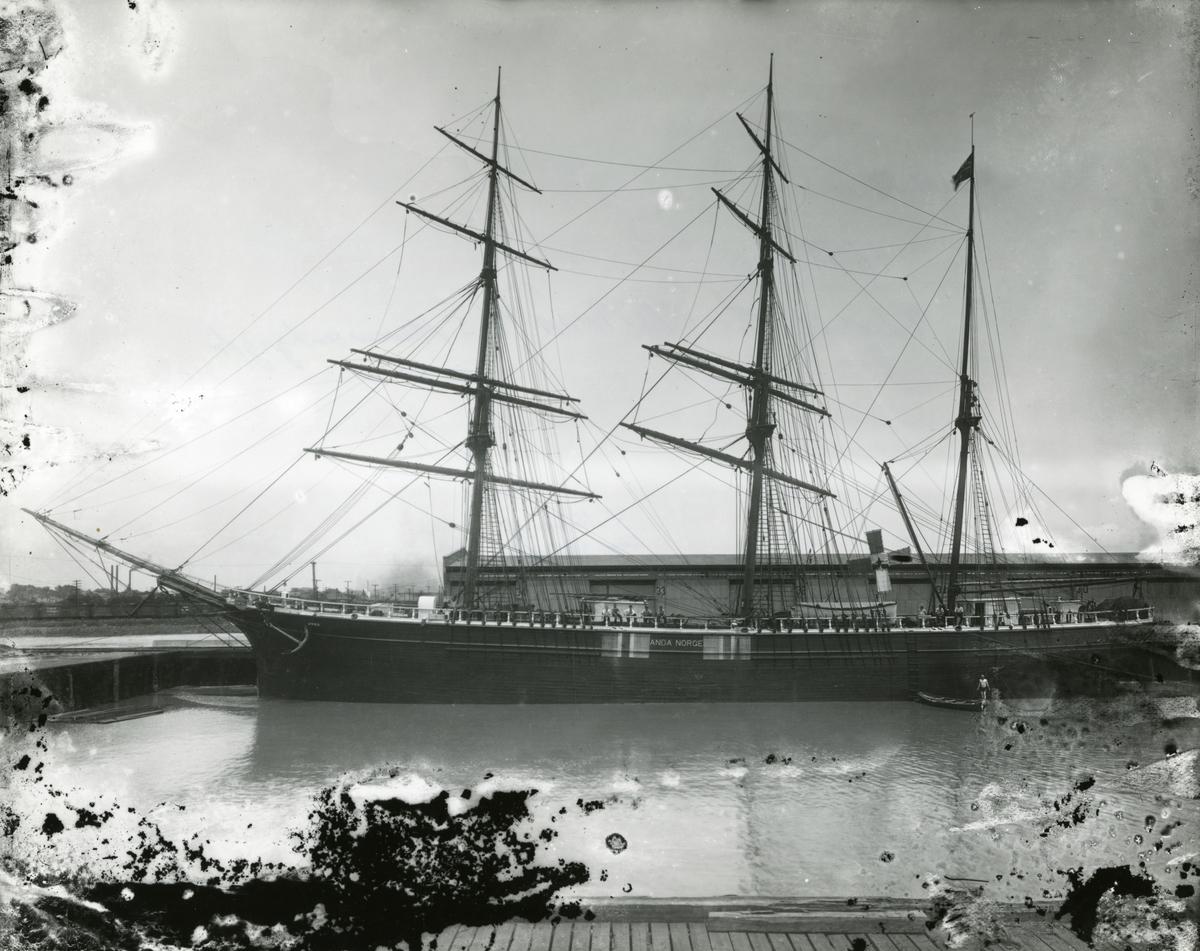 Bark 'Anda' (b.1890, Hølens værft (G. Bruun), Larvik, Norge)