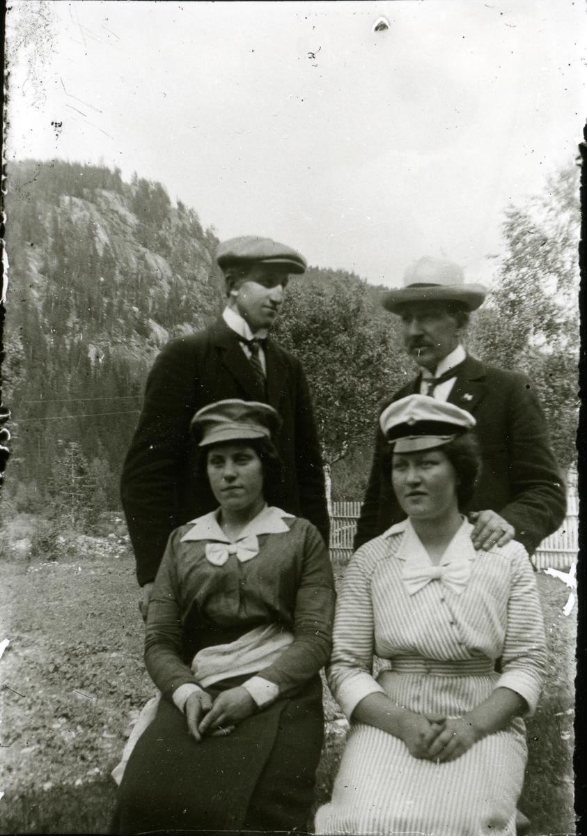 Amanda og Olea Smedmoen, Arne Lundemoen og Leander Sæteren Dølvesæter.
