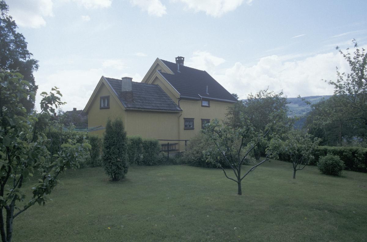 Lillehammer, Sorgendal, bolighus og hage, mot sør