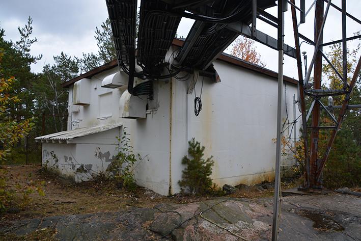 Randvikheia radiolinjemast ved Risør, er 59 meter. Det var en radiolinjestasjon på linjen mellom Oslo og Kristiansand over Fredrikstad, et smalbåndsanlegg på UHF-basis med båndbredde tilsvarende 60 telefonkanaler. Radiolinjen ble brukt til teletrafikk. Masten fikk TV-sender som ble satt i drift 3. oktober 1997.