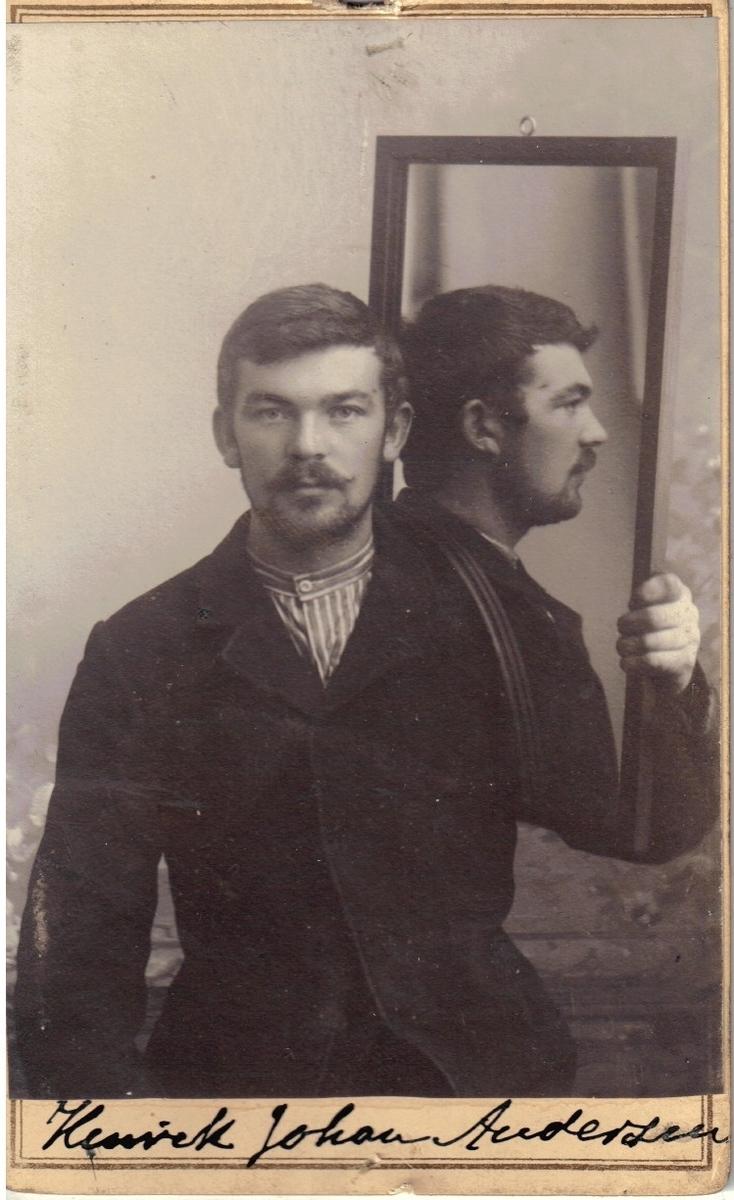 Registreringsfoto, antatt fra Kristiania-politiets forbryteralbum