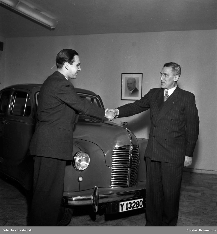 En Austin-bil lottades ut i Svenska skidspelens lotteri 1951.