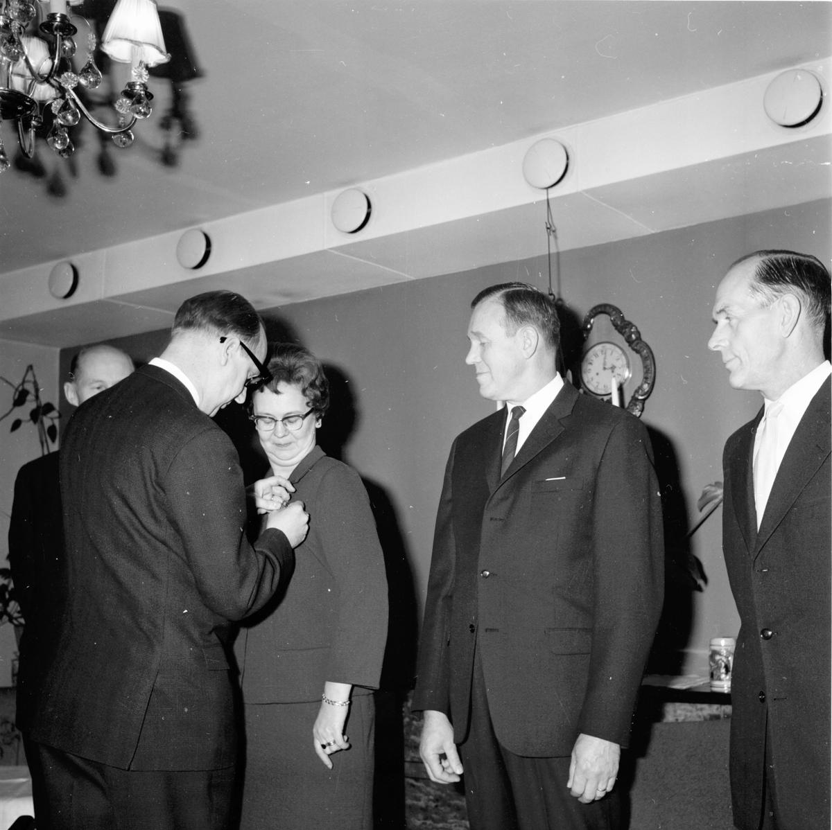 Postmän medaljerade Vågen. 25/1-1966