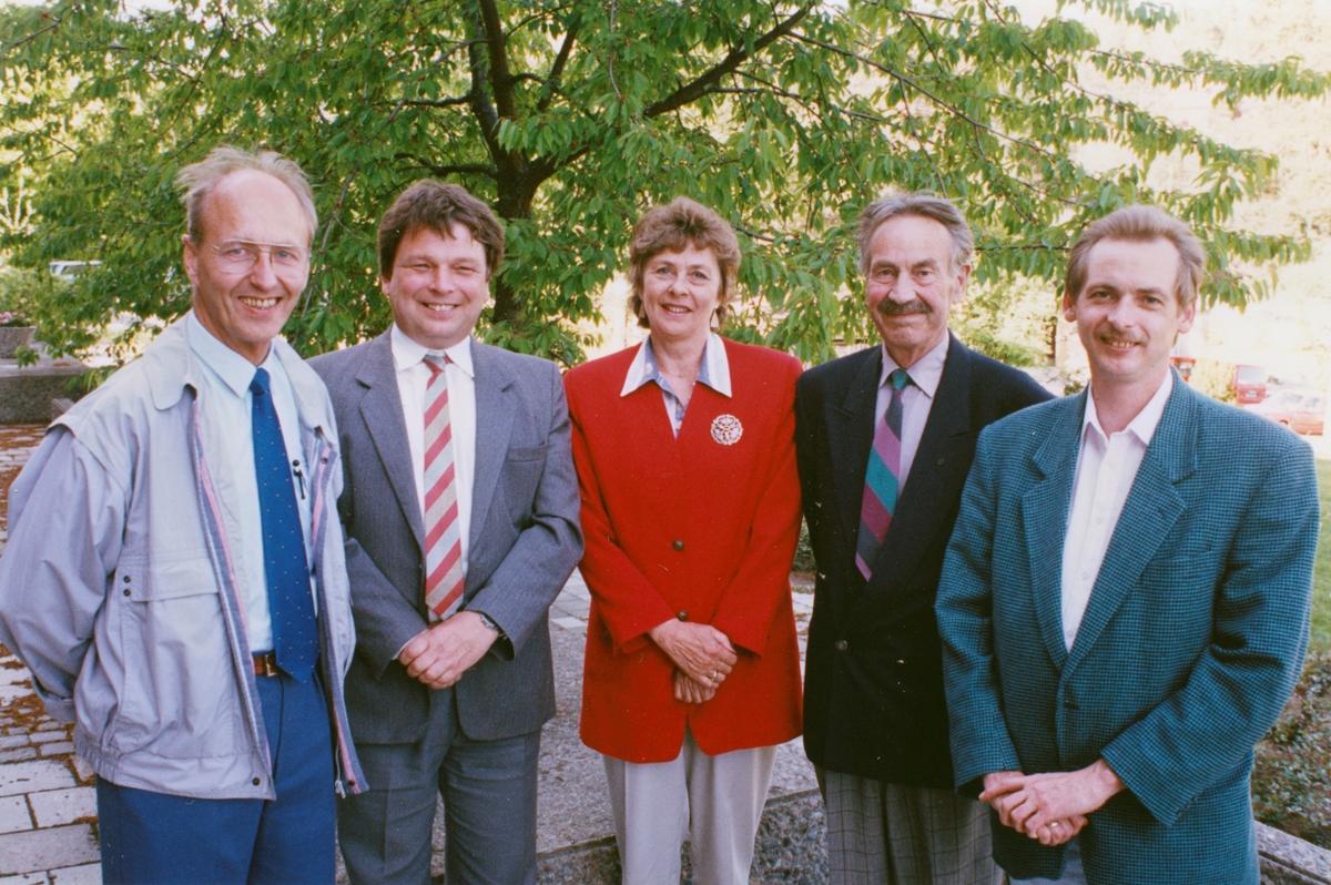 Gruppebilde av styret i Oppegård Fremskrittsparti. Fra venstre: Erling Havre, Oddbjørn Jonstad, Arnlaug Gravli, Thorbjørn Bilden og Jan Berge.