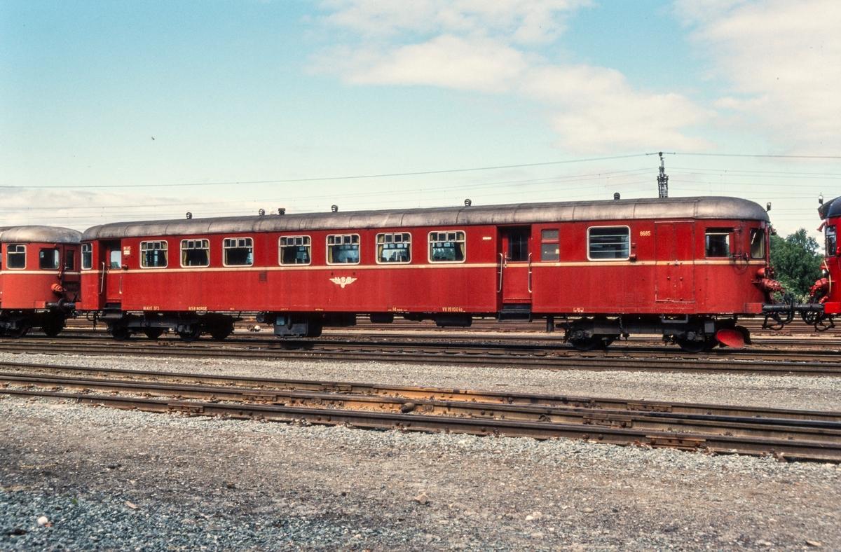 Styrevogn for dieselmotorvogn type  86 og 91, BFS 8685, på driftsbanegården i Trondheim.