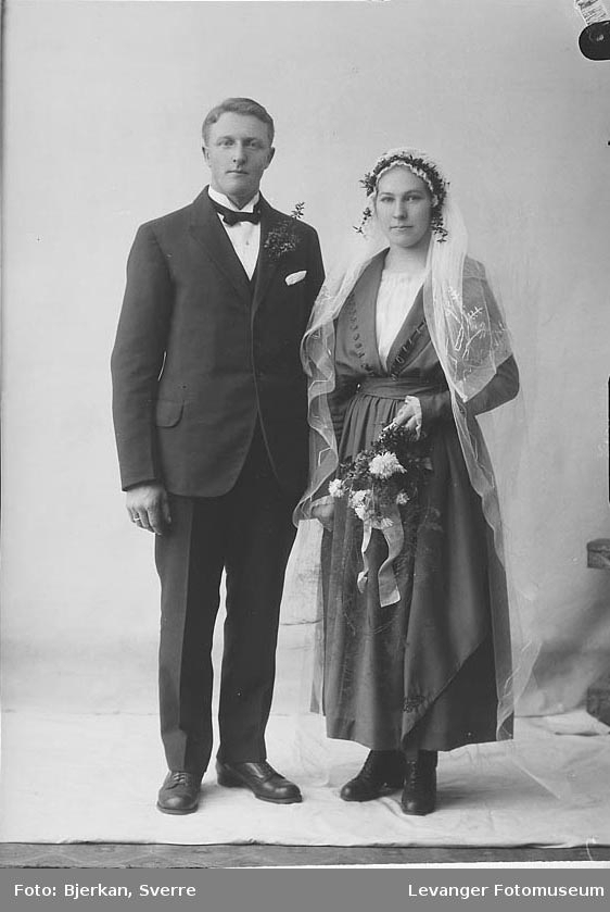 Portrett av et brudepar, Olav Kløvjan, hennes navn er ukjent.