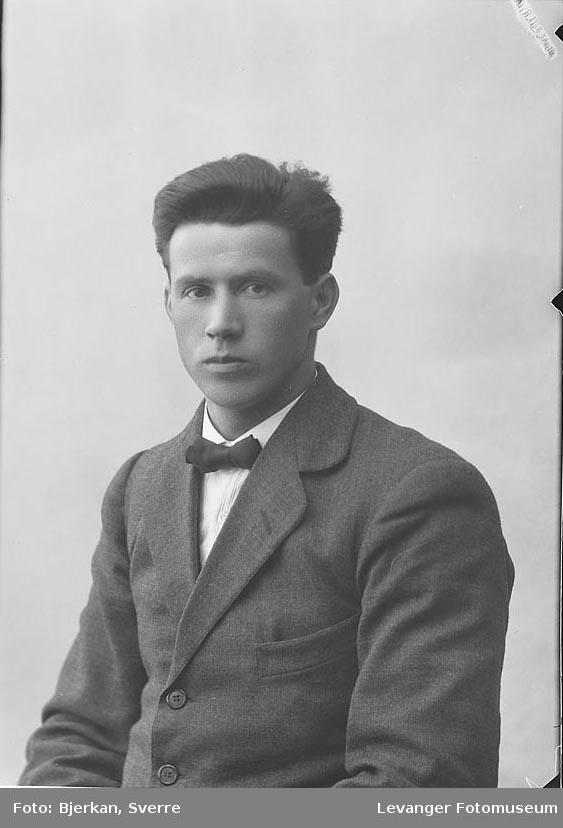 Portrett av Olav Fiborg.