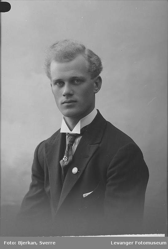 Portrett av T. Solheim.