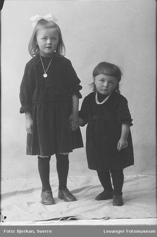 Portrett av to søstre
