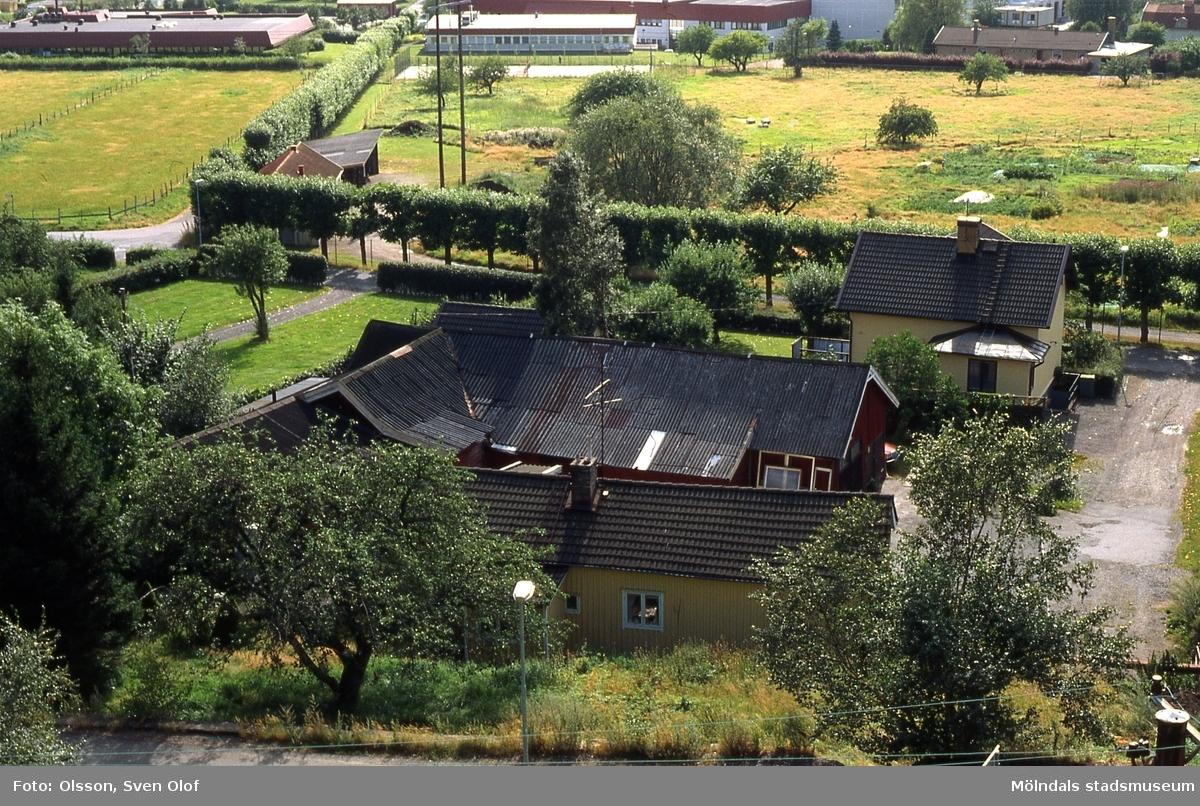 Gården Forsåker Storegård i Forsåker, Mölndal, i augusti 1990. R 2:21.