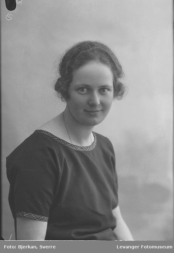 Portrett av Hulda Ramfjord