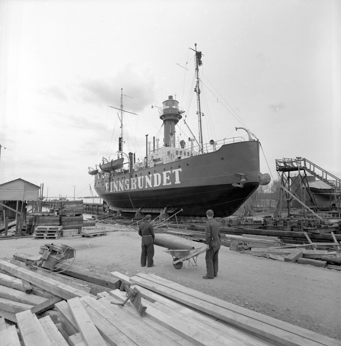 "Den 18 april 1961. Gävle Varv. Fyrskeppet ""Finngrundet""."