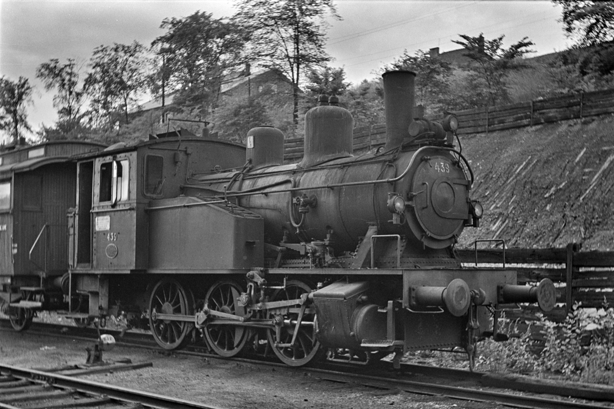Damplokomotiv type 23b nr. 439, hensatt i Lodalen. i Oslo.