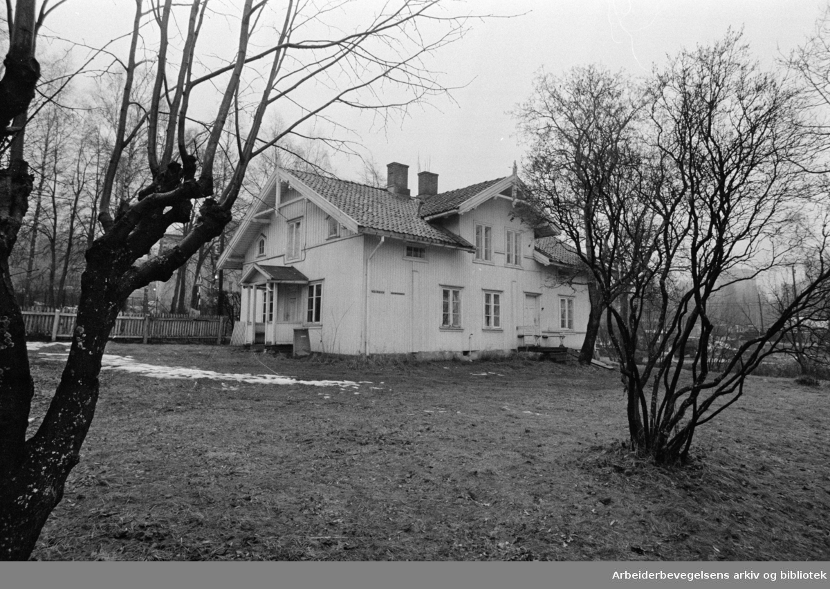 Trosterud. Portnerbolig til rådeighet for sigøynerne. November 1970