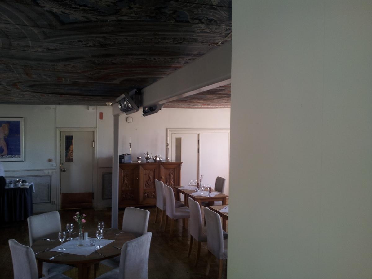 Pelare & balk i matsalen, Söderfors herrgård, Söderfors socken, Tierps kommun, Uppsala län 2014