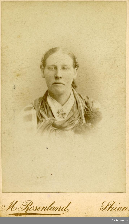 Portrett av Kari Ågetveit