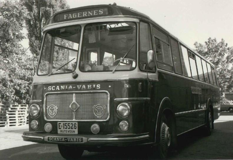 E- 15526, Scania Vabis B 76 registrert 100765, 36 sitteplasser med helturistseter. Karosseriet er bygget hos Brødrene Repstad.