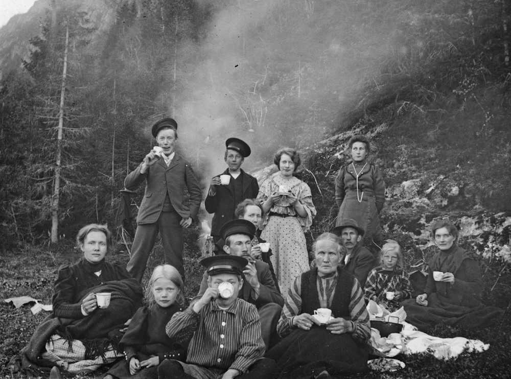 Familier på St.hans-tur.