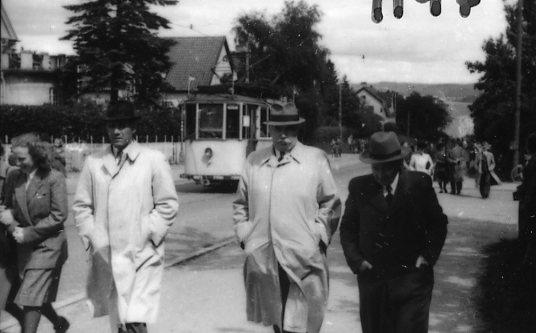 Persson-Bramstorp, tvåa från höger, Dunkehallabacken.