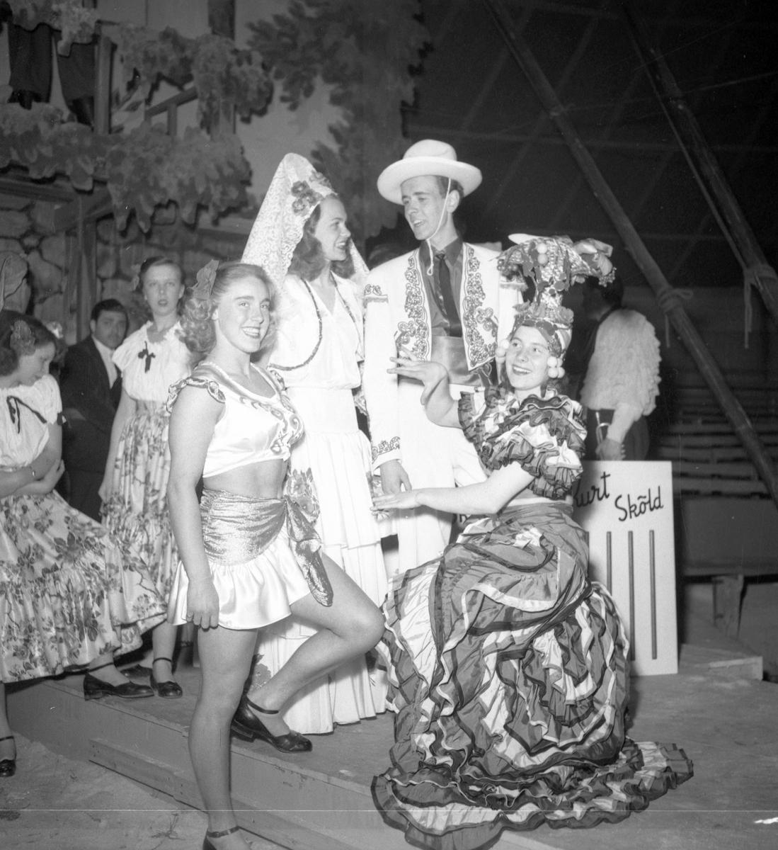 Furuviksparken invigdes 1936  1950 var ett år då Furuviksparken investerade kraftigt.  Cirkus Mexikanskt tema