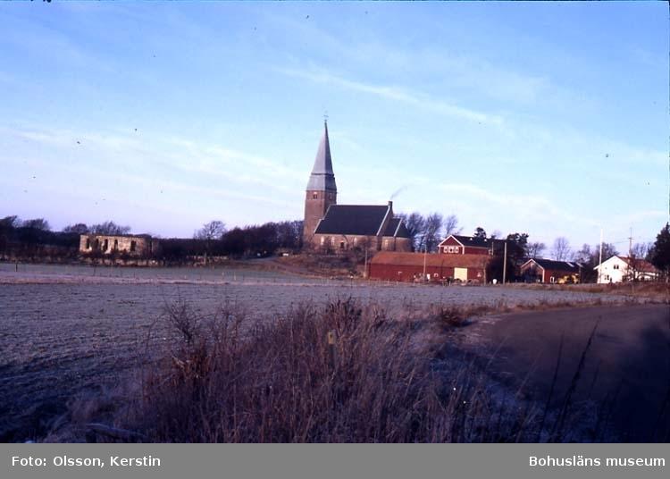 """Text på kortet: """"Lyse kyrka o ruin""""."""