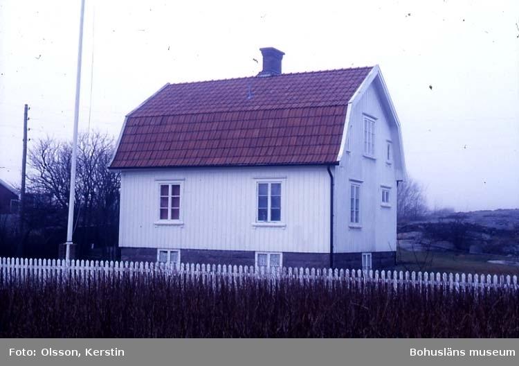 """Text på kortet: """"N Grundsund 3:35 Skaftö sn. Nov -86""""."""