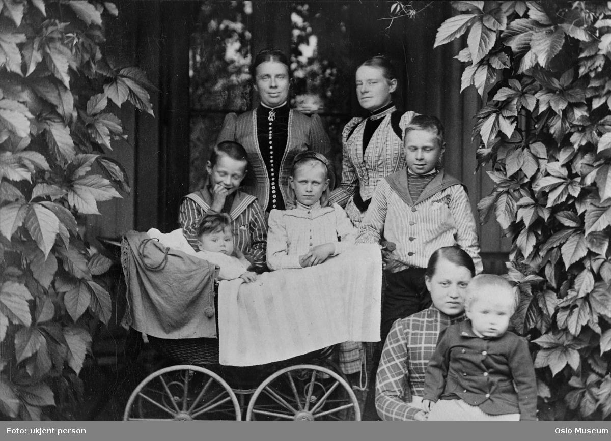 Villa Smedbråten, hage, kvinner, barn