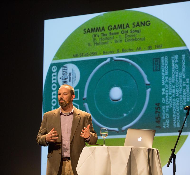 Andrew Flory holder foredrag på Rockheim. Foto: Rockheim/Elise Maalø Reksen.