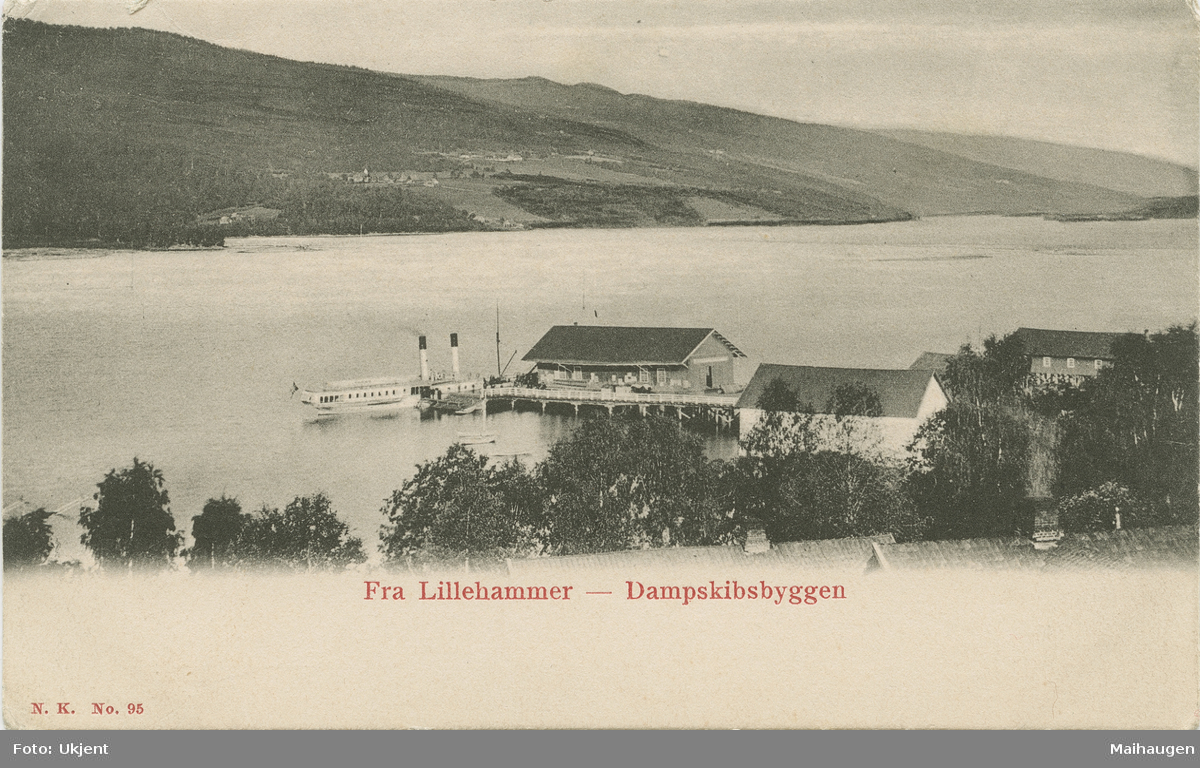 """Repro: Lillehammer brygge med """"Kong Oscar"""" ved kai"""