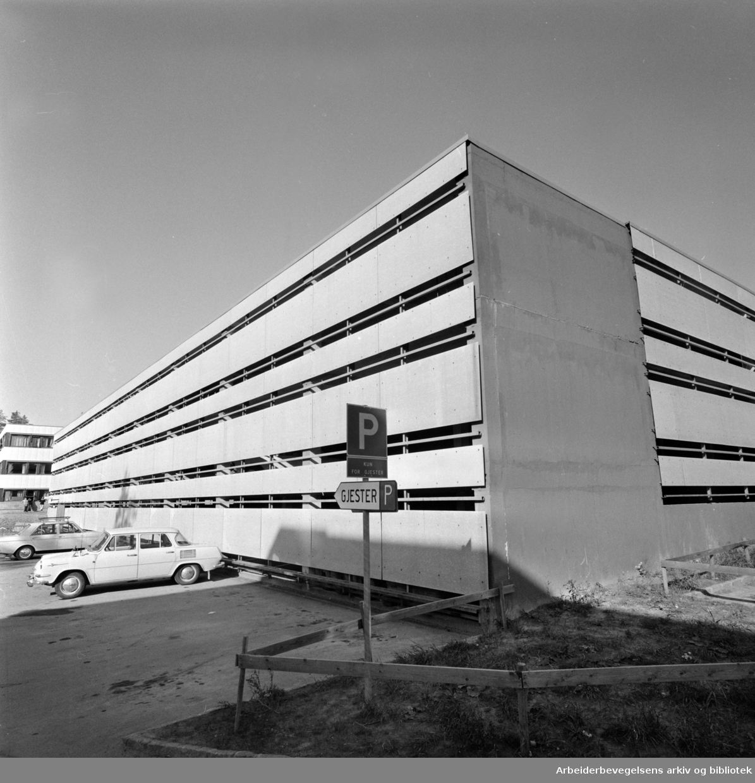 Romsås. Garasjer. September 1976