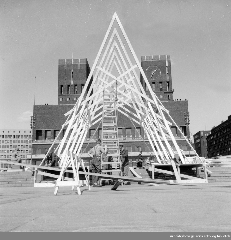 Rådhusplassen, Baldakin. Juni 1955